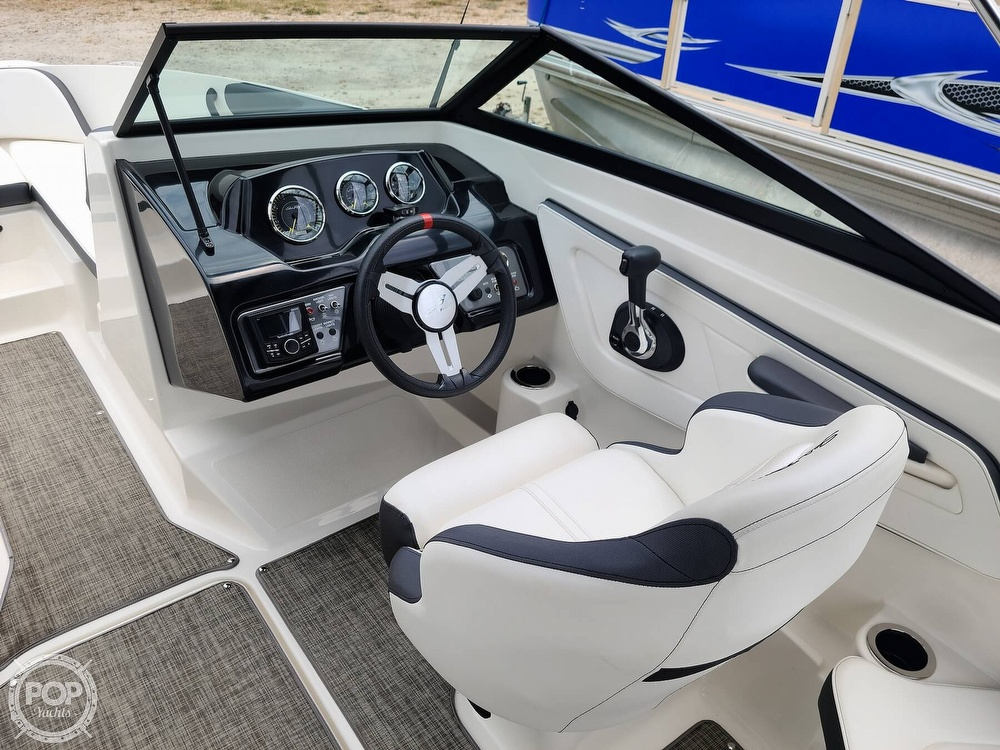2017 Sea Ray boat for sale, model of the boat is SPX 210 & Image # 2 of 40