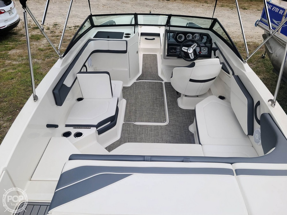 2017 Sea Ray boat for sale, model of the boat is SPX 210 & Image # 6 of 40