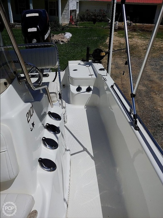 2008 Mako boat for sale, model of the boat is 2101 & Image # 11 of 19