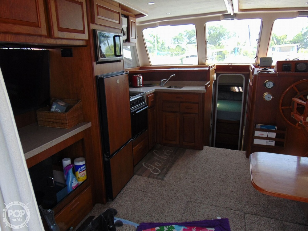 1998 Mainship boat for sale, model of the boat is 350 & Image # 27 of 40