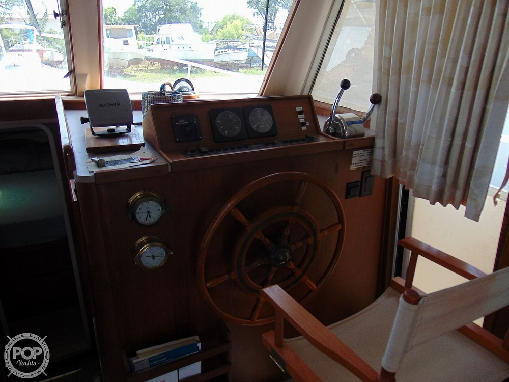 1998 Mainship boat for sale, model of the boat is 350 & Image # 34 of 40