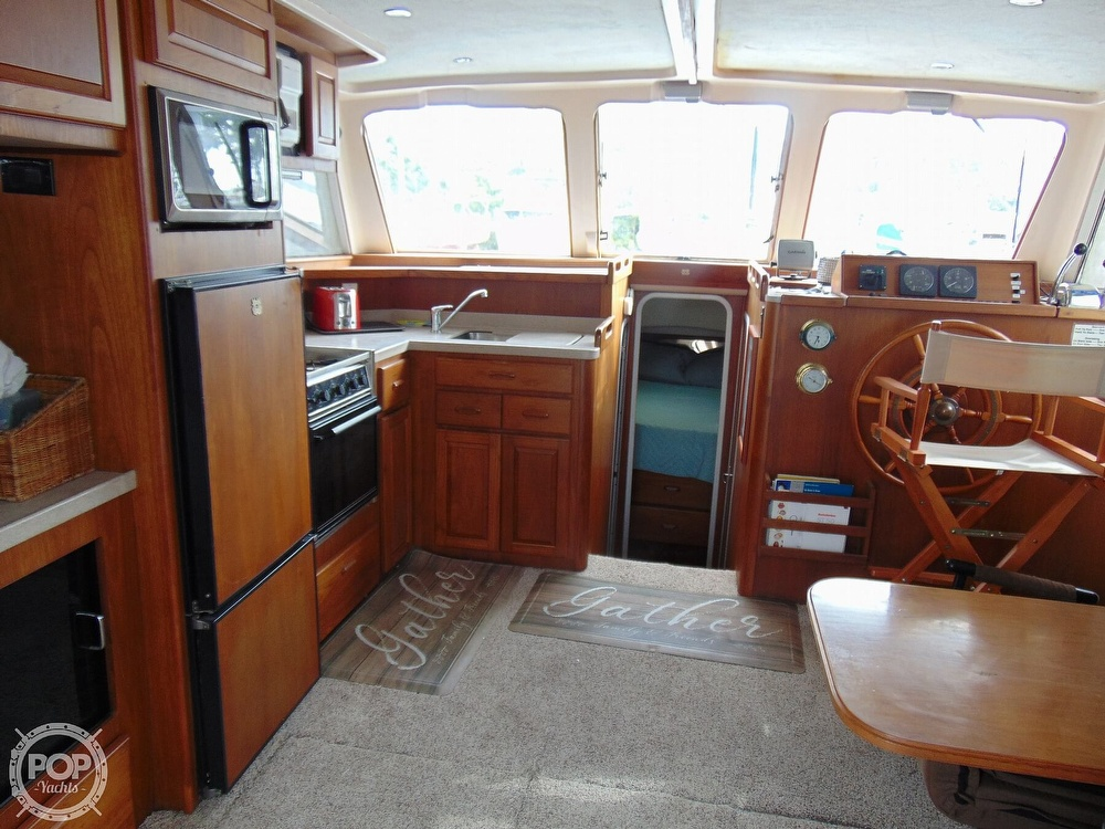1998 Mainship boat for sale, model of the boat is 350 Trawler & Image # 5 of 40