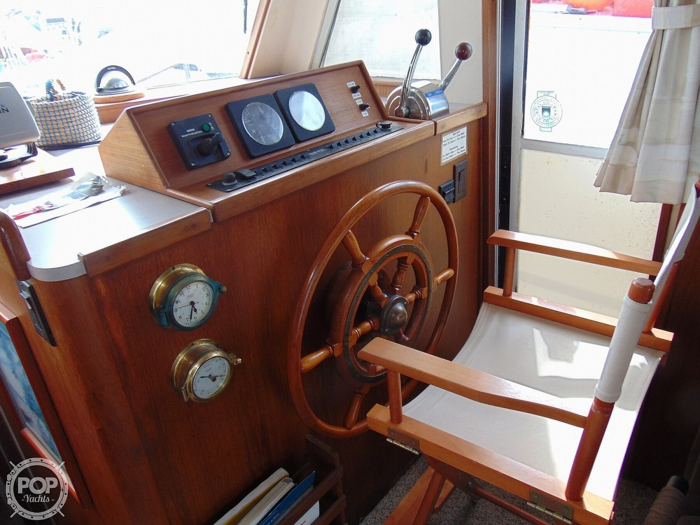 1998 Mainship boat for sale, model of the boat is 350 Trawler & Image # 6 of 40