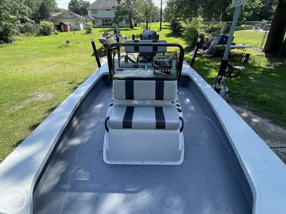 2017 Majek boat for sale, model of the boat is 25 XTREME & Image # 3 of 40