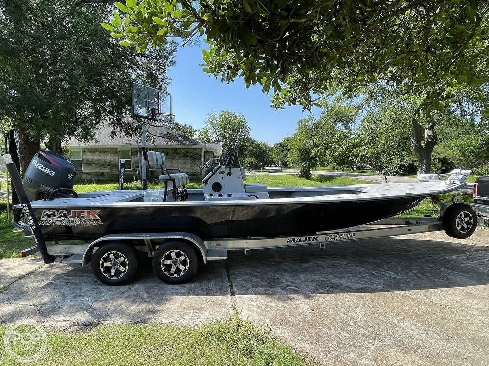 2017 Majek boat for sale, model of the boat is 25 XTREME & Image # 7 of 40
