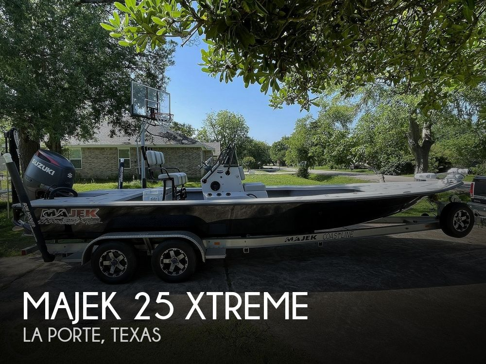 2017 Majek boat for sale, model of the boat is 25 XTREME & Image # 1 of 40
