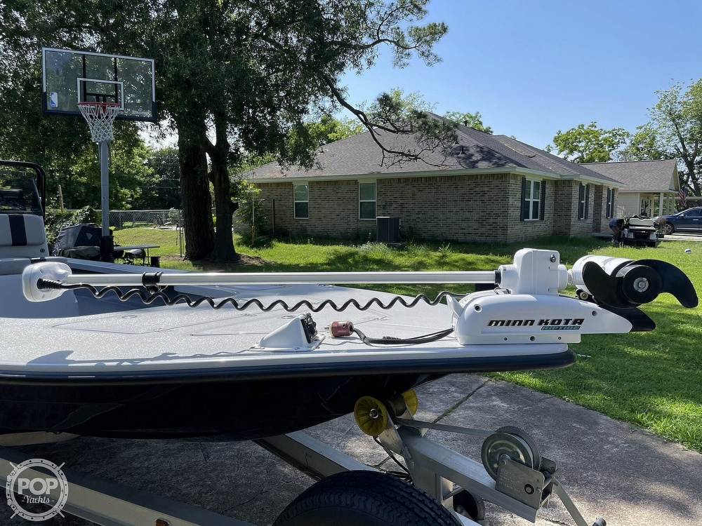 2017 Majek boat for sale, model of the boat is 25 XTREME & Image # 10 of 40
