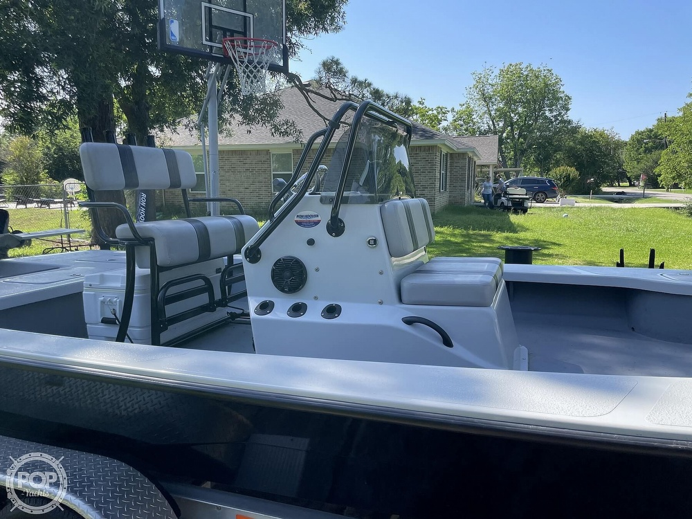 2017 Majek boat for sale, model of the boat is 25 XTREME & Image # 13 of 40
