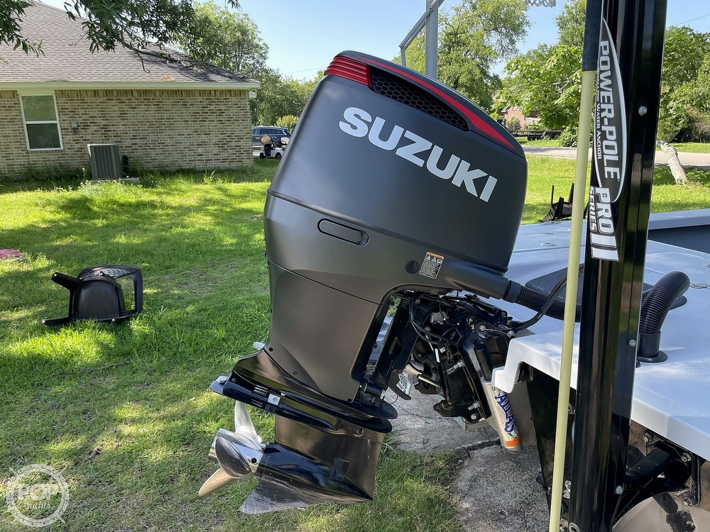 2017 Majek boat for sale, model of the boat is 25 XTREME & Image # 19 of 40