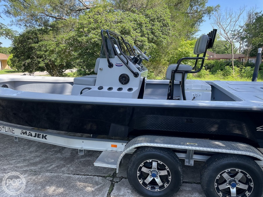 2017 Majek boat for sale, model of the boat is 25 XTREME & Image # 27 of 40