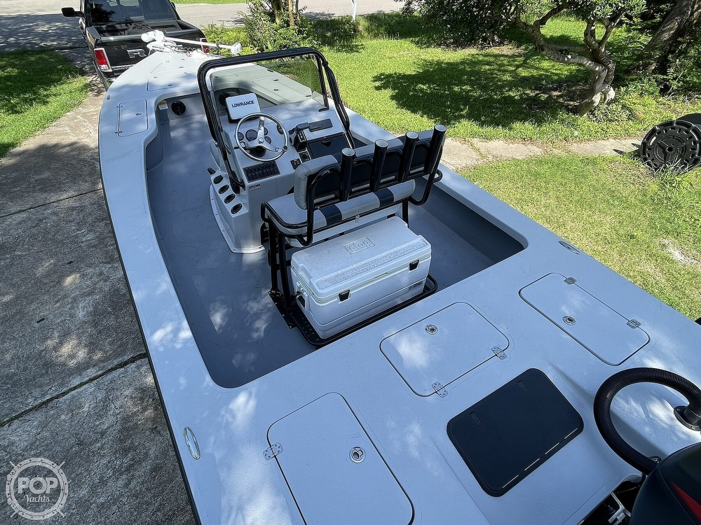 2017 Majek boat for sale, model of the boat is 25 XTREME & Image # 30 of 40