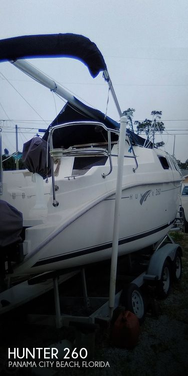 2002 Hunter boat for sale, model of the boat is 260 & Image # 1 of 3