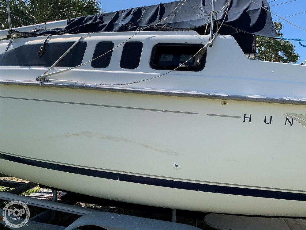 2002 Hunter boat for sale, model of the boat is 260 & Image # 17 of 40