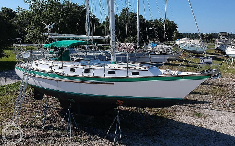 1985 Endeavour boat for sale, model of the boat is 40 CC & Image # 4 of 40