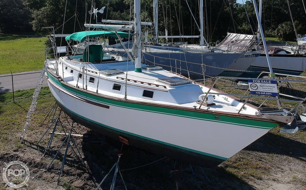 1985 Endeavour boat for sale, model of the boat is 40 CC & Image # 15 of 40