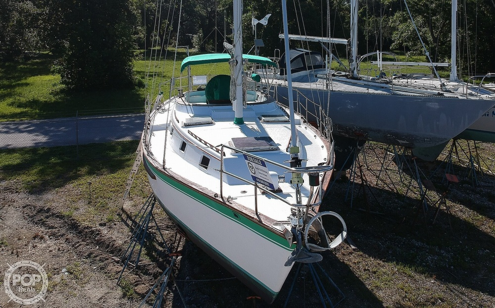 1985 Endeavour boat for sale, model of the boat is 40 CC & Image # 16 of 40