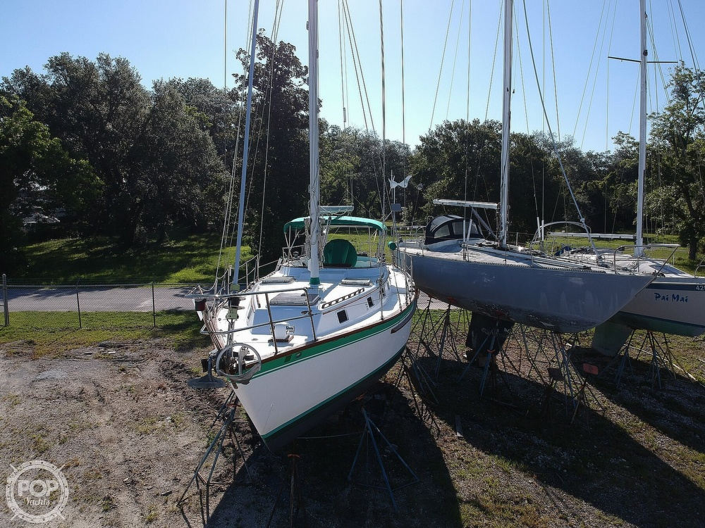 1985 Endeavour boat for sale, model of the boat is 40 CC & Image # 17 of 40