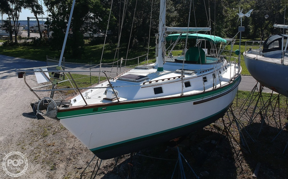 1985 Endeavour boat for sale, model of the boat is 40 CC & Image # 18 of 40