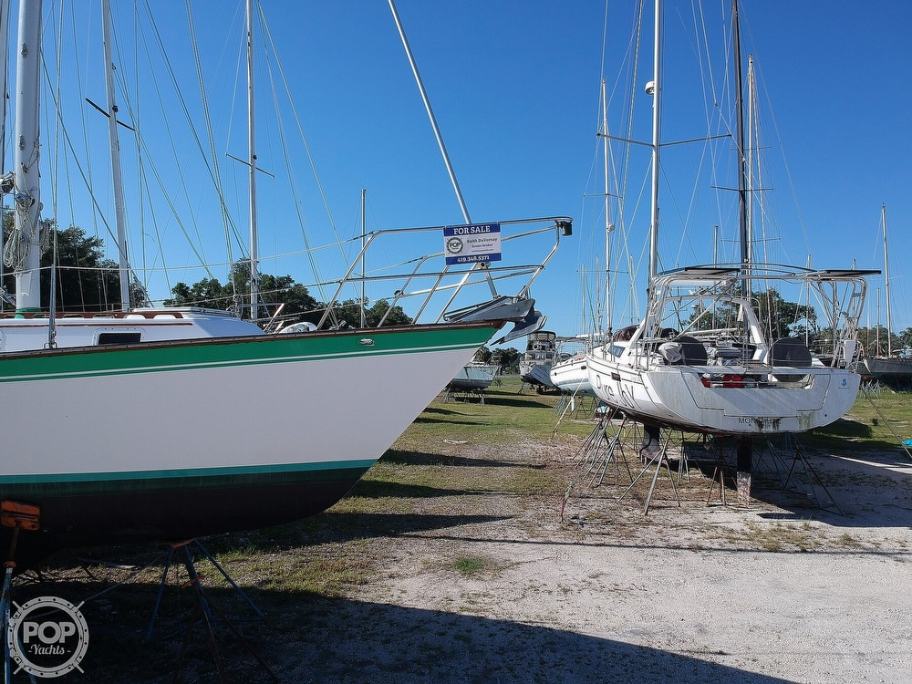 1985 Endeavour boat for sale, model of the boat is 40 CC & Image # 31 of 40