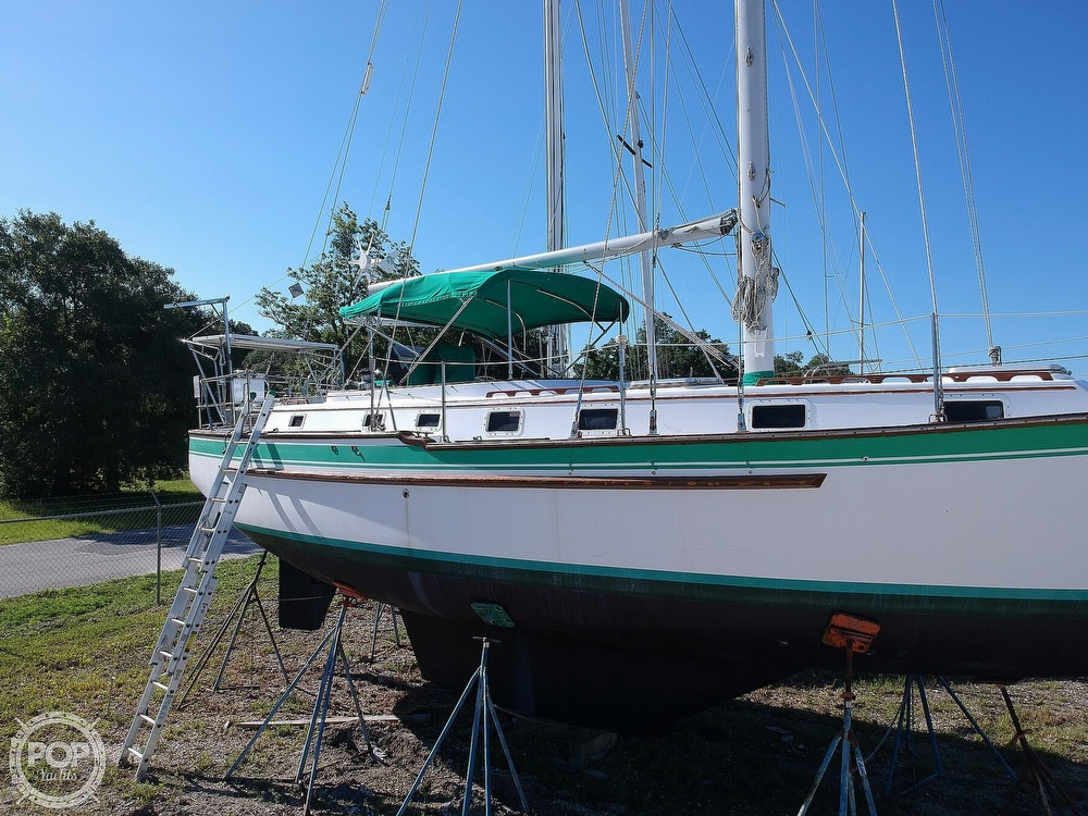 1985 Endeavour boat for sale, model of the boat is 40 CC & Image # 32 of 40