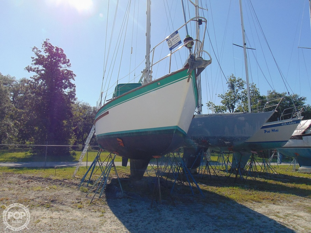 1985 Endeavour boat for sale, model of the boat is 40 CC & Image # 34 of 40