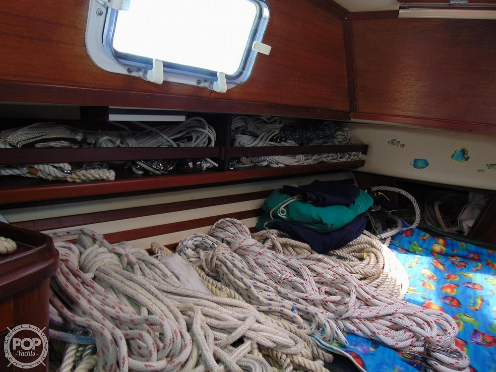 1985 Endeavour boat for sale, model of the boat is 40 CC & Image # 12 of 40