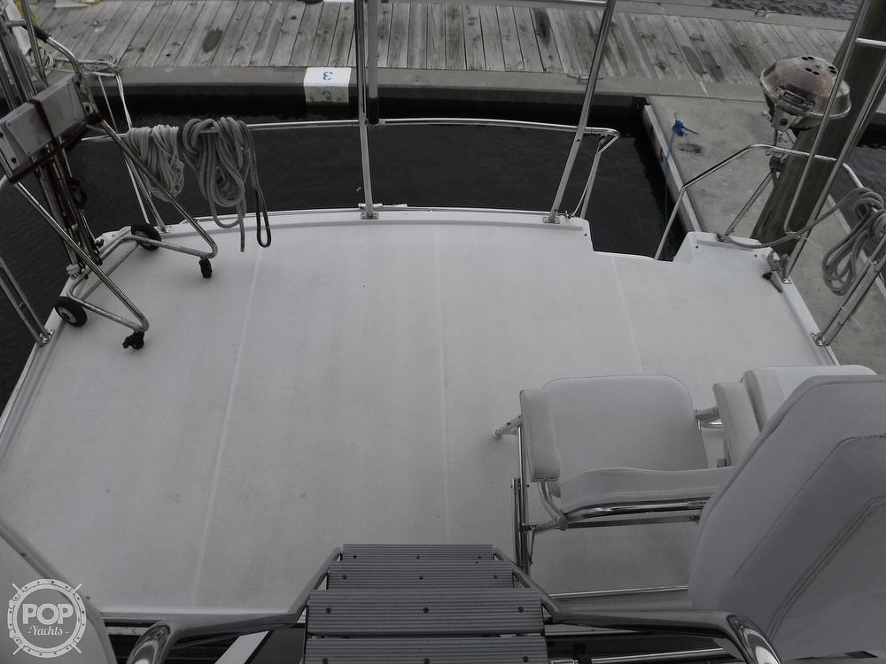 1998 Carver boat for sale, model of the boat is 325 Aft Cabin & Image # 8 of 40
