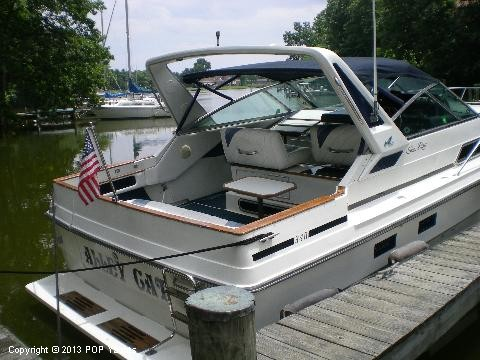 1989 Sea Ray 340 Sundancer - Photo #4
