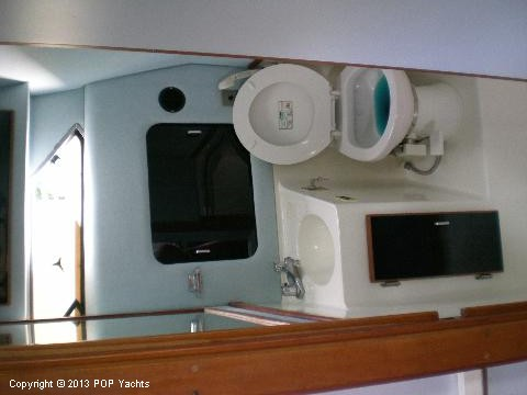 1989 Sea Ray 340 Sundancer - Photo #8