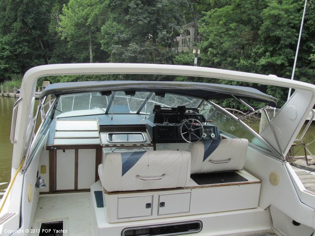1989 Sea Ray 340 Sundancer - Photo #9