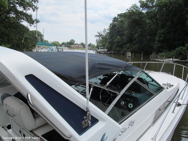 1989 Sea Ray 340 Sundancer - Photo #10