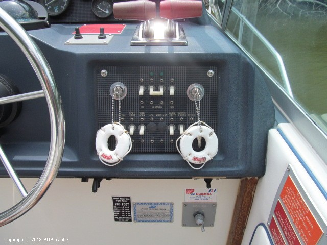 1989 Sea Ray 340 Sundancer - Photo #33