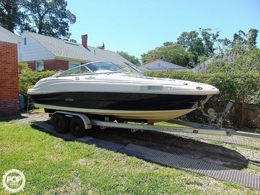 2005 Sea Ray boat for sale, model of the boat is 200 Sundeck & Image # 2 of 40