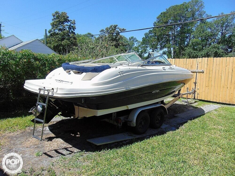 2005 Sea Ray boat for sale, model of the boat is 200 Sundeck & Image # 4 of 40