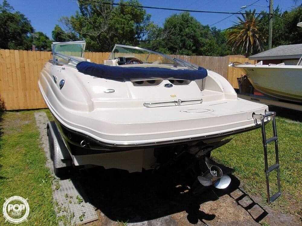 2005 Sea Ray boat for sale, model of the boat is 200 Sundeck & Image # 5 of 40