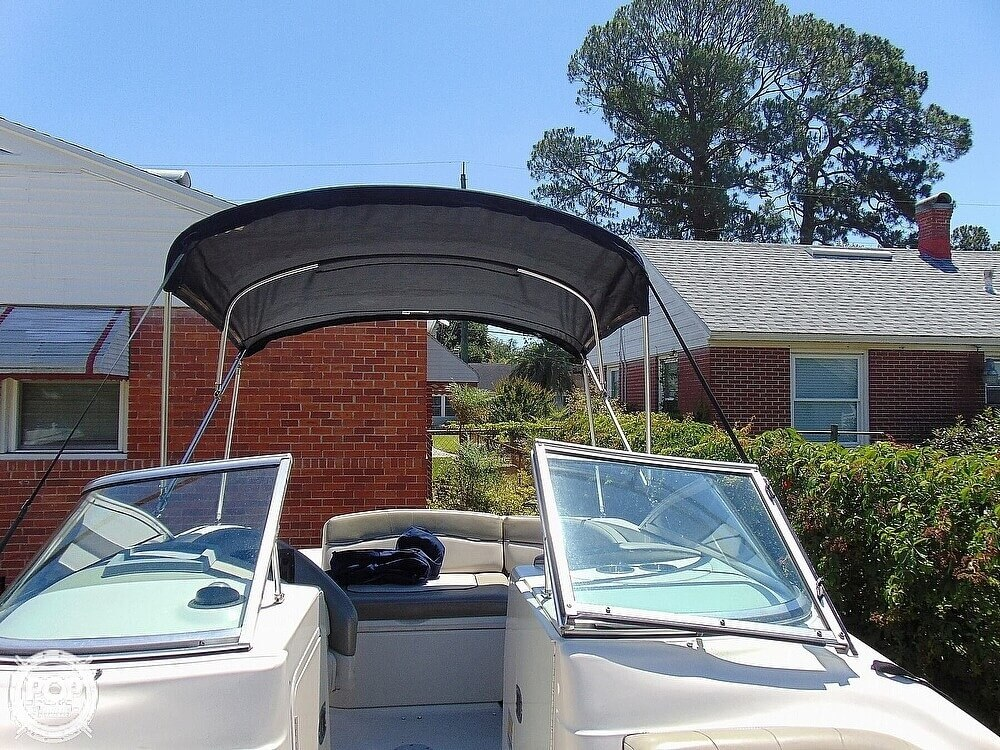 2005 Sea Ray boat for sale, model of the boat is 200 Sundeck & Image # 15 of 40