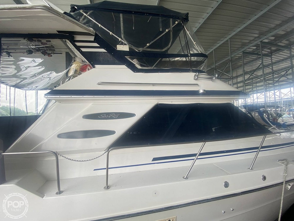 1988 Sea Ray boat for sale, model of the boat is 415 AFT CABIN & Image # 21 of 40
