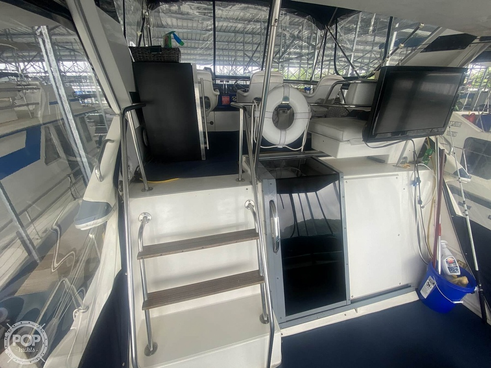 1988 Sea Ray boat for sale, model of the boat is 415 AFT CABIN & Image # 36 of 40