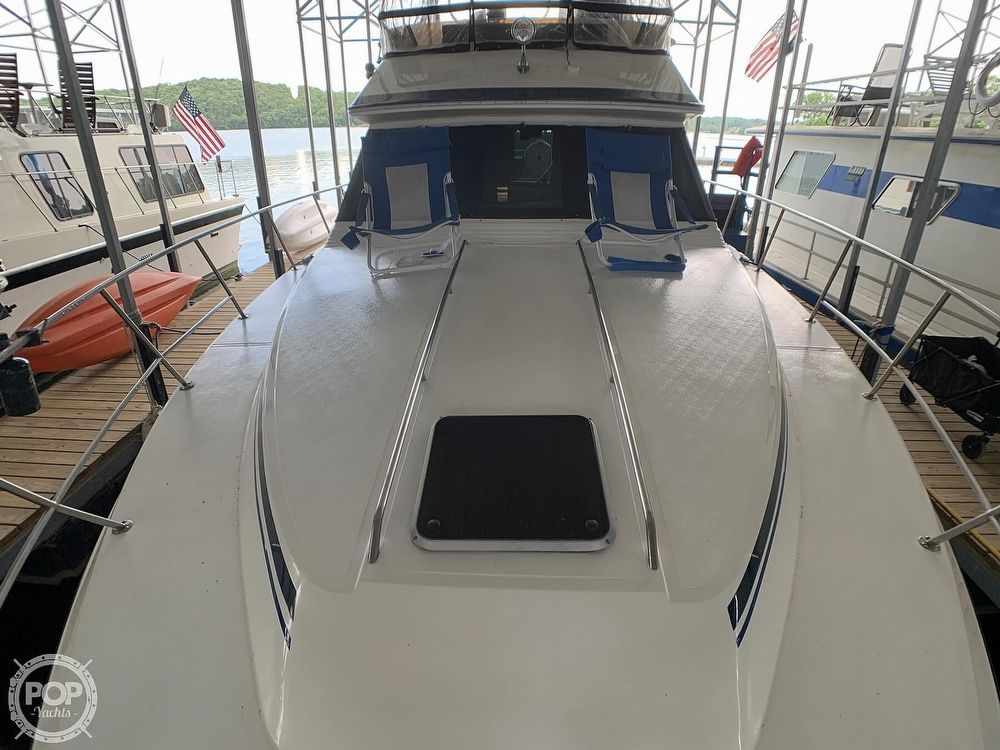 1988 Sea Ray boat for sale, model of the boat is 415 AFT CABIN & Image # 25 of 40