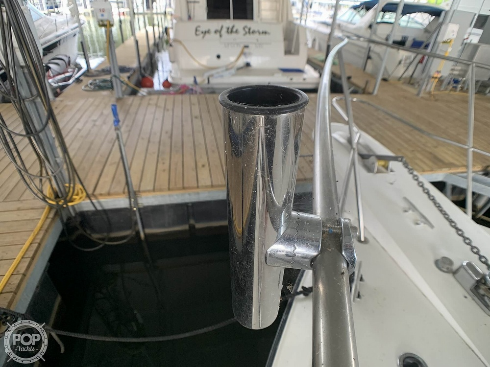 1988 Sea Ray boat for sale, model of the boat is 415 AFT CABIN & Image # 32 of 40