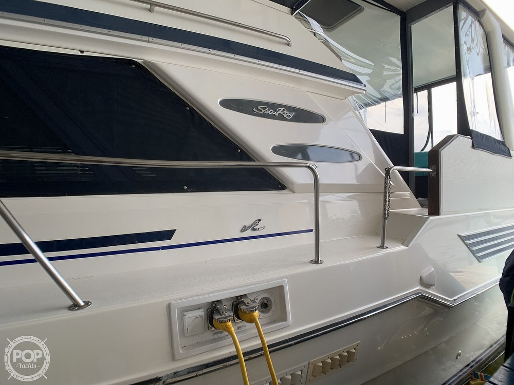 1988 Sea Ray boat for sale, model of the boat is 415 AFT CABIN & Image # 16 of 40
