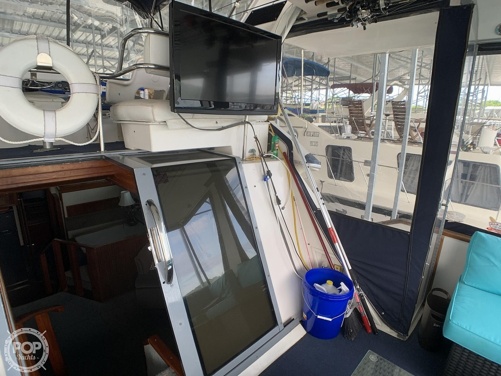 1988 Sea Ray boat for sale, model of the boat is 415 AFT CABIN & Image # 35 of 40