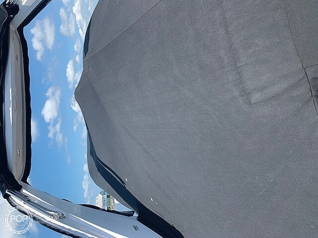 2015 Regal boat for sale, model of the boat is 28 Express & Image # 4 of 17