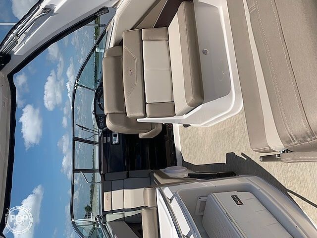2015 Regal boat for sale, model of the boat is 28 Express & Image # 5 of 17