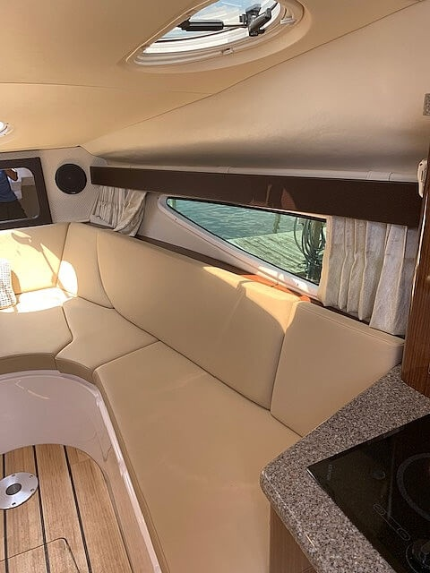 2015 Regal boat for sale, model of the boat is 28 Express & Image # 14 of 17