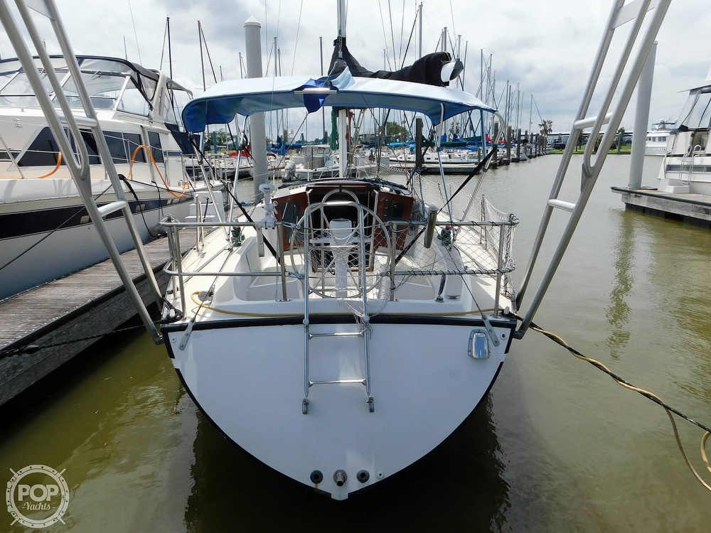 1979 Lancer Yachts boat for sale, model of the boat is 36 & Image # 10 of 40