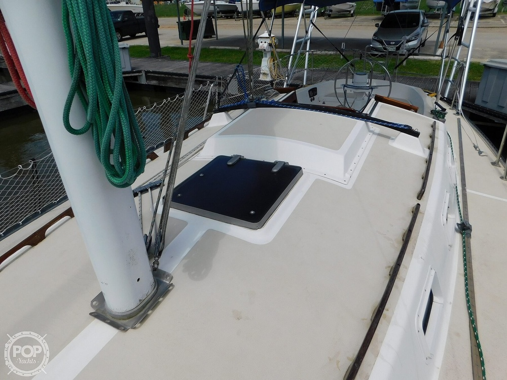 1979 Lancer Yachts boat for sale, model of the boat is 36 & Image # 29 of 40
