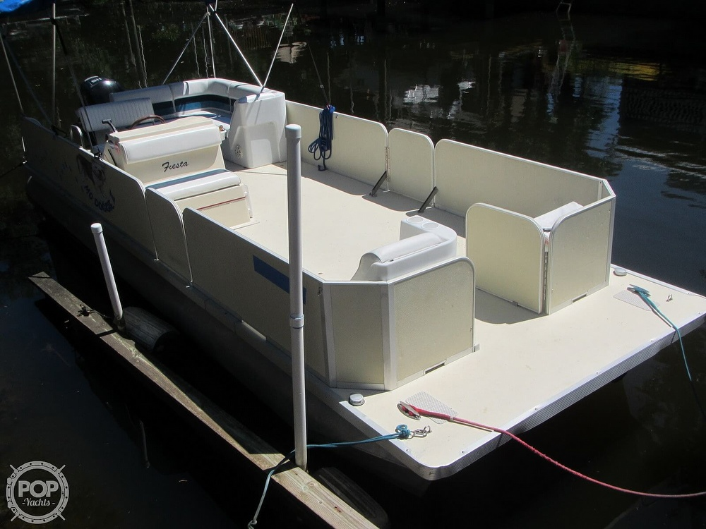 2005 Fiesta boat for sale, model of the boat is Grande 24 Family Fisher Fish & Fun L Custom & Image # 13 of 40