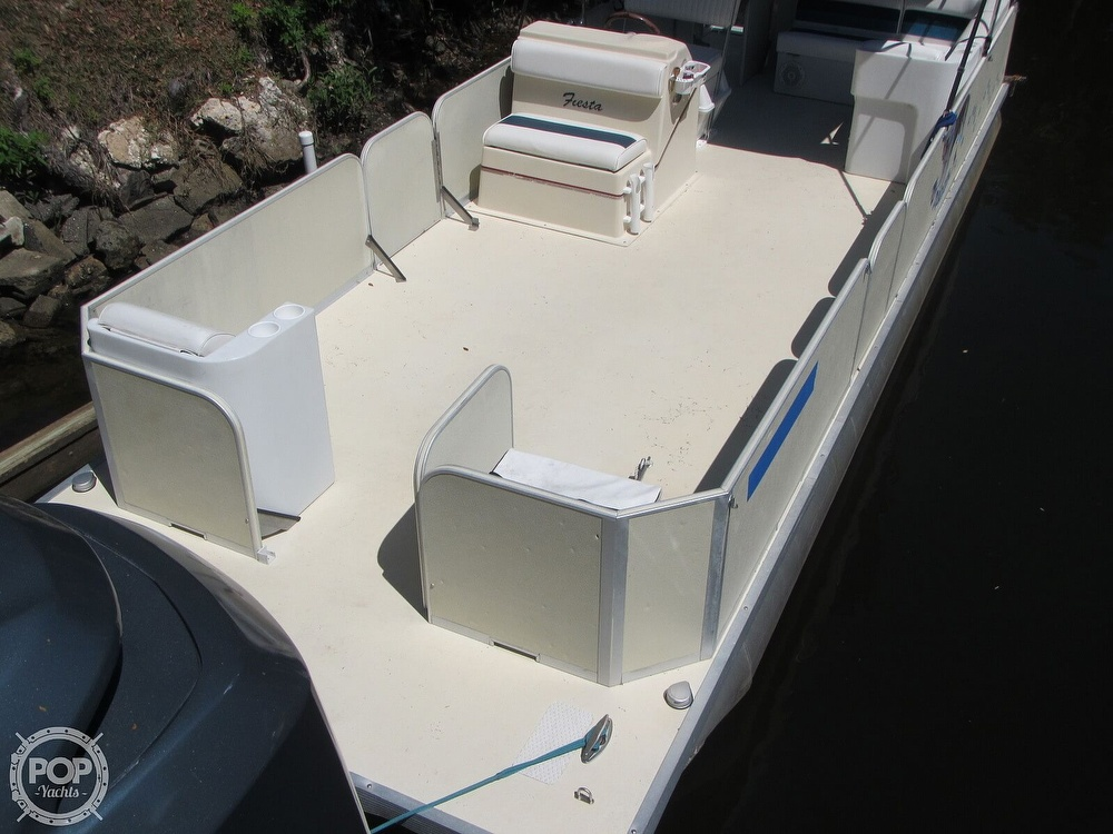 2005 Fiesta boat for sale, model of the boat is Grande 24 Family Fisher Fish & Fun L Custom & Image # 16 of 40