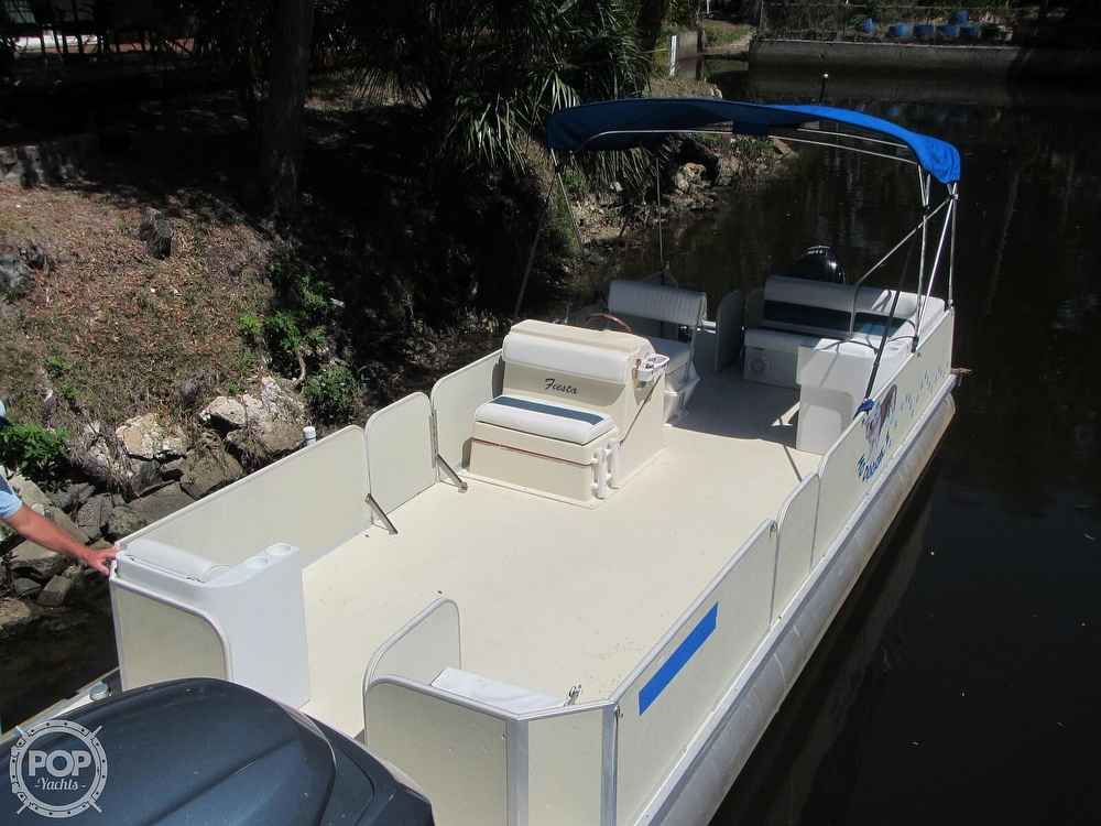 2005 Fiesta boat for sale, model of the boat is Grande 24 Family Fisher Fish & Fun L Custom & Image # 18 of 40
